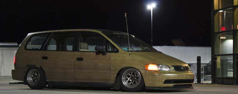 Honda Odyssey Bagged on 15x10 Side Shot Night Time