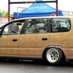 Honda Odyssey Bagged on 15x10's Woody Edition