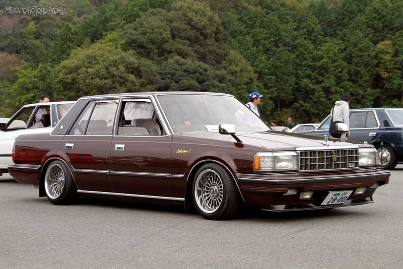 Toyota Crown on SSR EX-C Fins