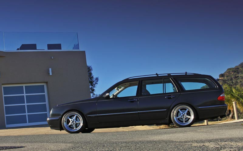 Mercedes Benz W210 Wagon on OZ Mito Wheels