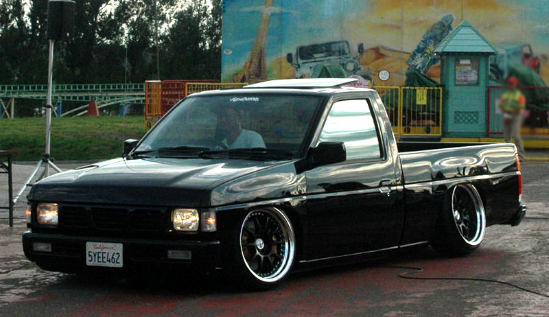 Nissan Hardbody D21 on SSR Professor SP3