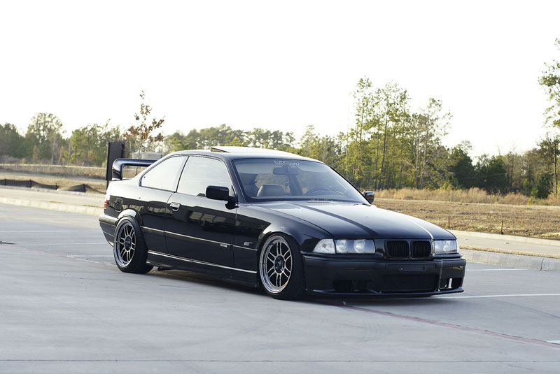 BMW E36 325is Slammed on Enkei RPF1