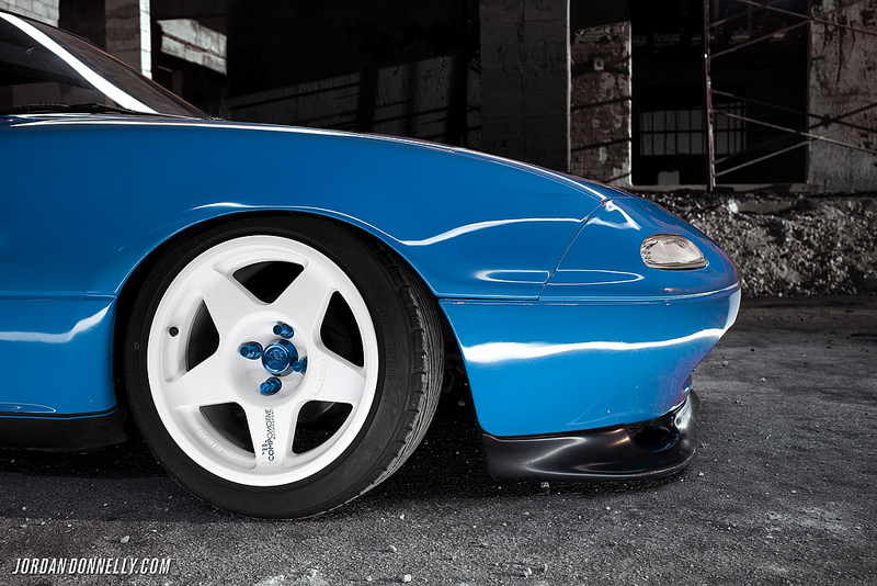 Compomotive MO wheels on Slammed NA Mazda Miata