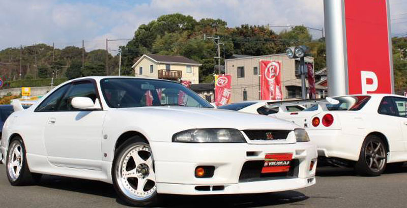 Nismo LM GT-4 on R33 Nissan Skyline GT-R