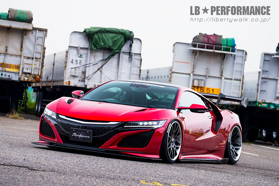 The rear end of the Liberty Walk Ver.1 Body Kit for Honda / Acura NSX looks perfect